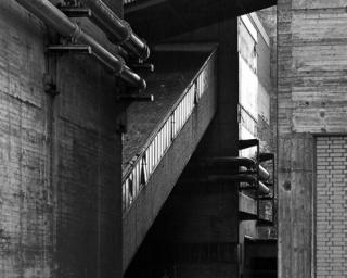 Fassaden und Bandbrücken